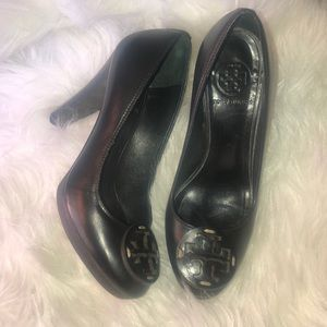 Tory Burch Black Leather Betty Heels 👠 Size 6.5M
